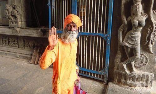 Zdjęcie INDIE / Tamil Nadu / Tiruvannamalaj / pozdrowienie