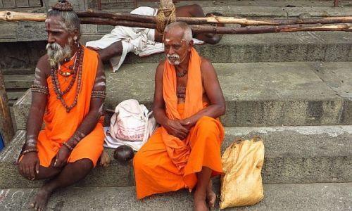Zdjecie INDIE / Tamil Nadu / Tiruvannamalaj / pielgrzymi