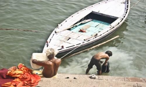 Zdjęcie INDIE /  Uttar Pradesh / Varanasi / poranek nad Gangesem
