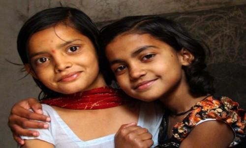 Zdjecie INDIE / Madhya Pradesh / Khajuraho / Przyjaciółki