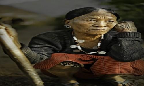 Zdjecie INDIE / Naga / Mon / Królowa Wangnea,żona wodza Khaopa z wioski Sheanghah.