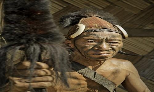 Zdjecie INDIE / Nagaland / Mon / Wojownik  Yao