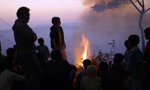 INDIE / Nagaland / Mon / przy ognisku