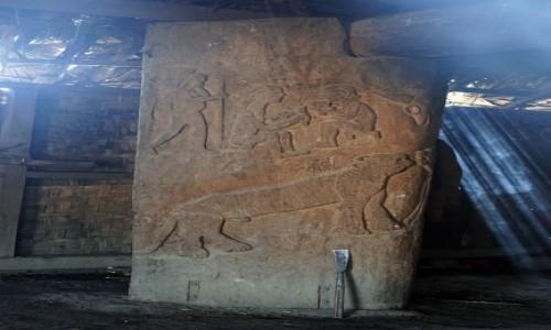 Zdjecie INDIE / Nagaland / Mon / płaskorzeźba w drewnie