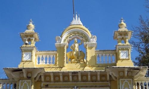 Zdjęcie INDIE / Karnataka / Mysore / pałac królewski Wodejarów - brama