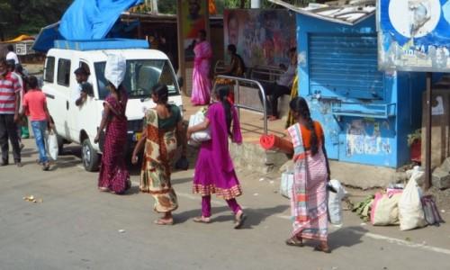 Zdjęcie INDIE / Karnataka / gdzieś na trasie / z zakupów