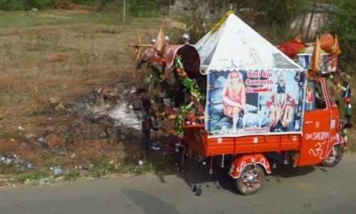 Zdjęcie INDIE / Karnataka / Śrevanabelagola / przewoźny sklepik
