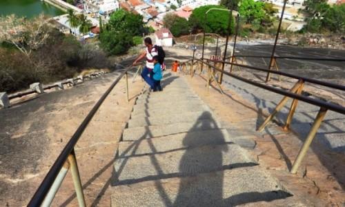 Zdjęcie INDIE / Karnataka / Śrevanabelagola / podejście do sanktuarium