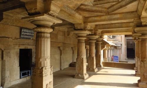 Zdjecie INDIE / Karnataka / Śrevanabelagola / sanktuarium Lorda Bahubali