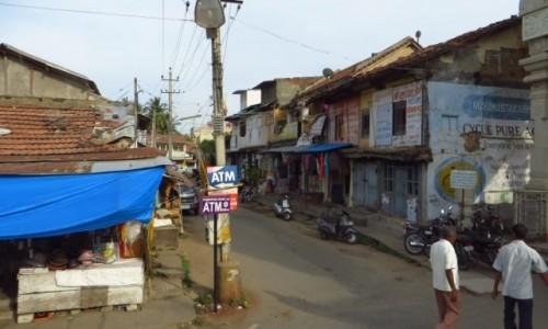 Zdjęcie INDIE / Karnataka / Śrevanabelagola / na ulicy