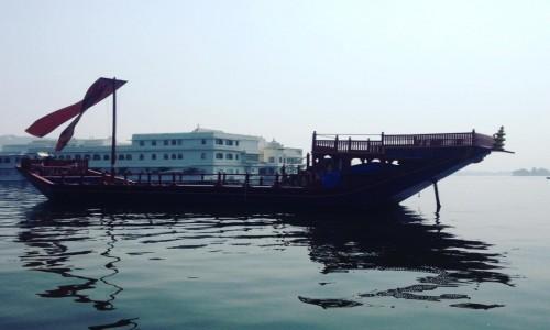 Zdjecie INDIE / Radzastan / Udaipur lake Pichola / Udaipur - indyj