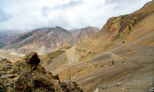 INDIE / Ladakh / W drodze z Sarchu do Leh / Droga do Leh