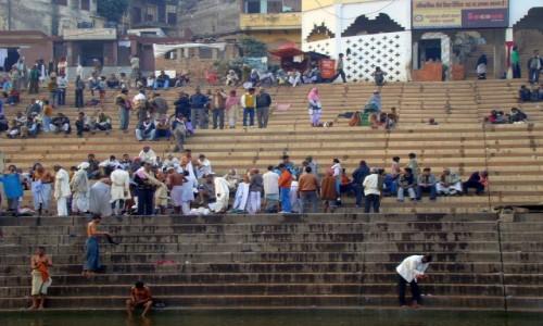 INDIE / Uttar Pradesh / Varanasi / Po ceremonii