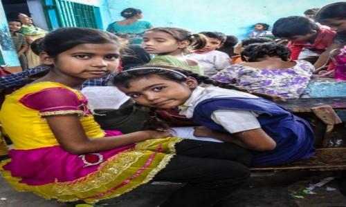 Zdj�cie INDIE / p�noc / Agra / pilne uczennice