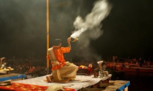 Zdjecie INDIE / Varanasi / Varanasi / Modlitwa