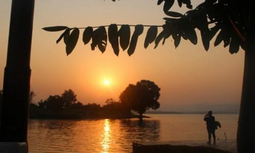INDIE / Madhya Pradesh / Satpura / Wschód słońca