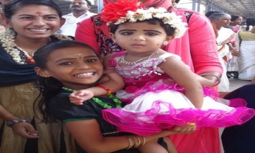 Zdjęcie INDIE / Indie Południowe / Kerala / W kolejce do pokłonienia się Krisznie