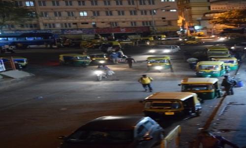 Zdjecie INDIE / Karnataka / Bangalore / Ulica w Bangalo