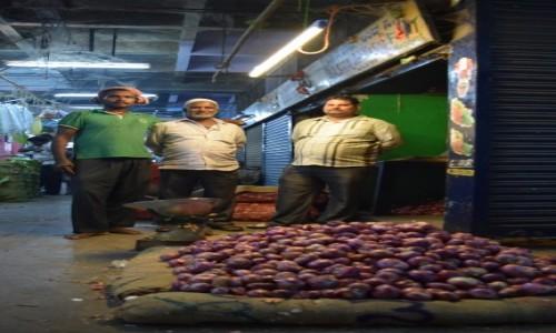 INDIE / Karnataka / Bangalore / Bangalore Fruit Market 4