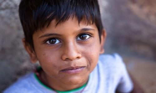 Zdjecie INDIE / Radżastan / Jaisalmer / Chłopiec