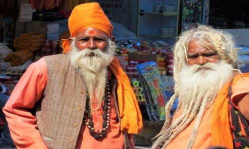 Zdjecie INDIE / Uttarakhand / Haridwar / Dlaczego robią nam zdjęcia ?