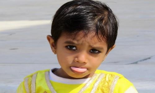 Zdjęcie INDIE / Delhi / Czerwony Fort / Dziewczynka z Delhi