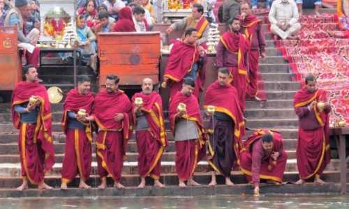INDIE / Uttarakhand / Haridwar / Ceremonia Ganga aarti