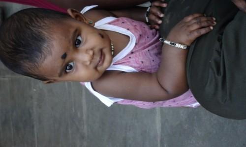 Zdjecie INDIE / Mombai / Wyspa Elephant / Młoda Dama