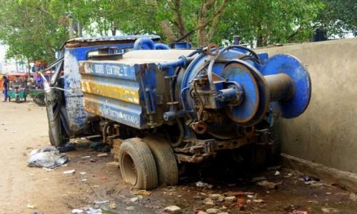 Zdjecie INDIE / Delhi / Delhi / Zaparkował