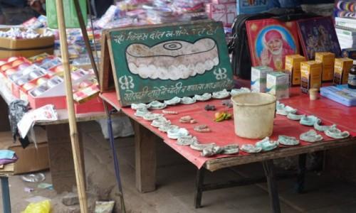 INDIE / Delhi / Delhi / Zakład dentystyczny