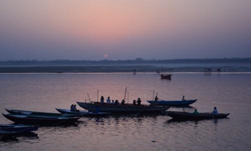 Zdjęcie INDIE / - / Varanasi / Varanasi o świcie