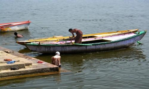 Zdjęcie INDIE / - / Varanasi / Nad Gangesem