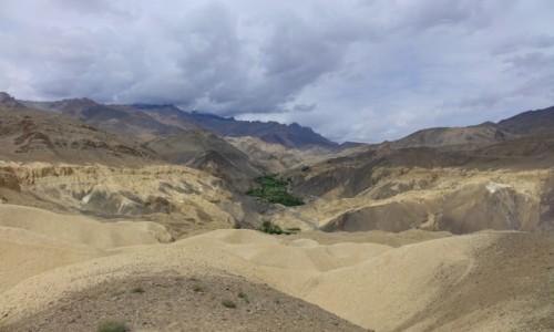 Zdjecie INDIE / Lamajuru / Lamajuru / Dolina zielona
