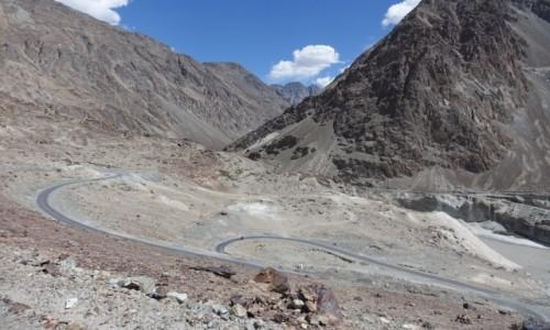Zdjęcie INDIE / Dolina Nubry   / Dolina Nubry   / Na zakręcie