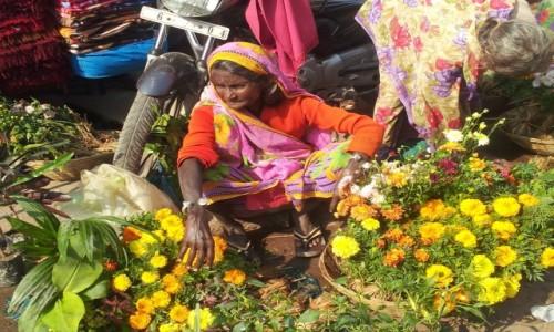 Zdjecie INDIE / - / Delhi / Kwiaciarka w Delhi