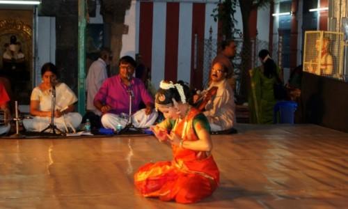 Zdjecie INDIE / Tamil Nadu / Madras, Świątynia Kapaleśwary / Tancerka
