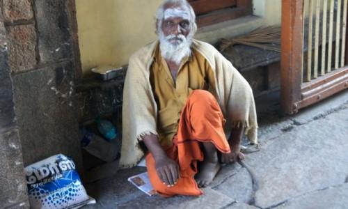 Zdjecie INDIE / Tamil Nadu / Madras / Myślący