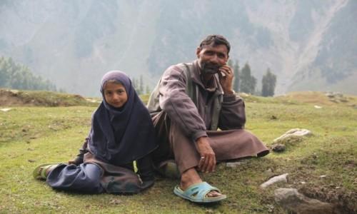 Zdjęcie INDIE / Kaszmir / Okolice Sonamarg / Ojciec i córka