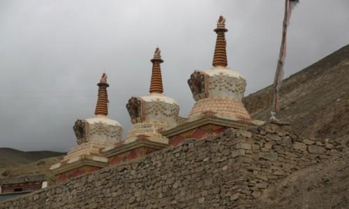 Zdjęcie INDIE / Ladakh / Lamayuru / Stupy