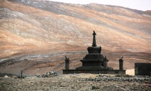 Zdjecie INDIE / Ladakh / Pangong Lake / Stupa