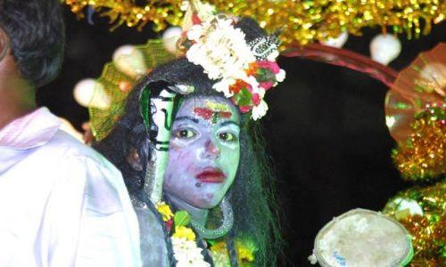 Zdjecie INDIE / Uttar Pradesh / Waranasi / Wielka parada z
