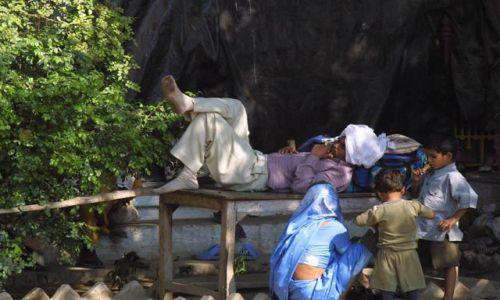 Zdjecie INDIE / Uttar Pradesh / Waranasi / Odpoczynek