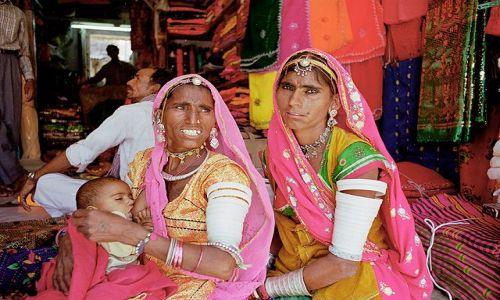 Zdjecie INDIE / Rajasthan / Jodhpur / kobiety z Jodhpuru