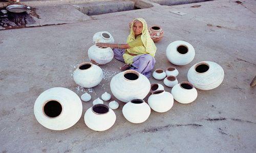 INDIE / Rajasthan / Udaipur / Kobieta z Udaipuru