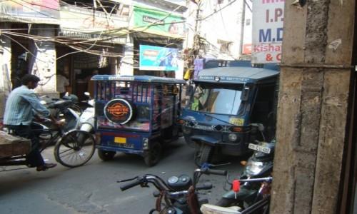 Zdjecie INDIE / New Delhi / New Delhi / Zawsze da się przejechać :)