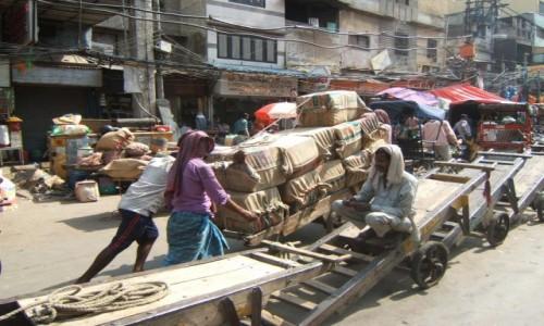Zdjecie INDIE / New Delhi / New Delhi / Na targu przypraw