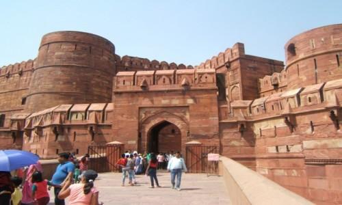 Zdjecie INDIE / Uttar Pradeś / Agra / Brama do Czerwonego Fortu