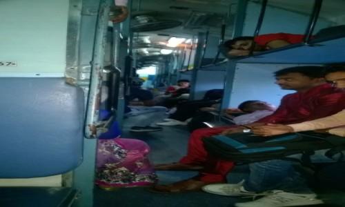 Zdjecie INDIE / Uttar Pradeś / Agra / W indyjskim pociągu