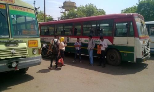 Zdjecie INDIE / Uttar Pradeś / Agra / Na dworcu Idgah