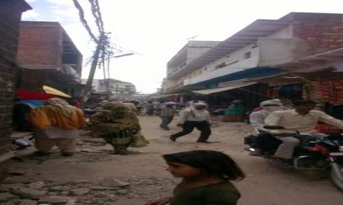 Zdjecie INDIE / Uttar Pradeś / Fatehpur Sikri / Główna ulica w Fatehpur Sikri